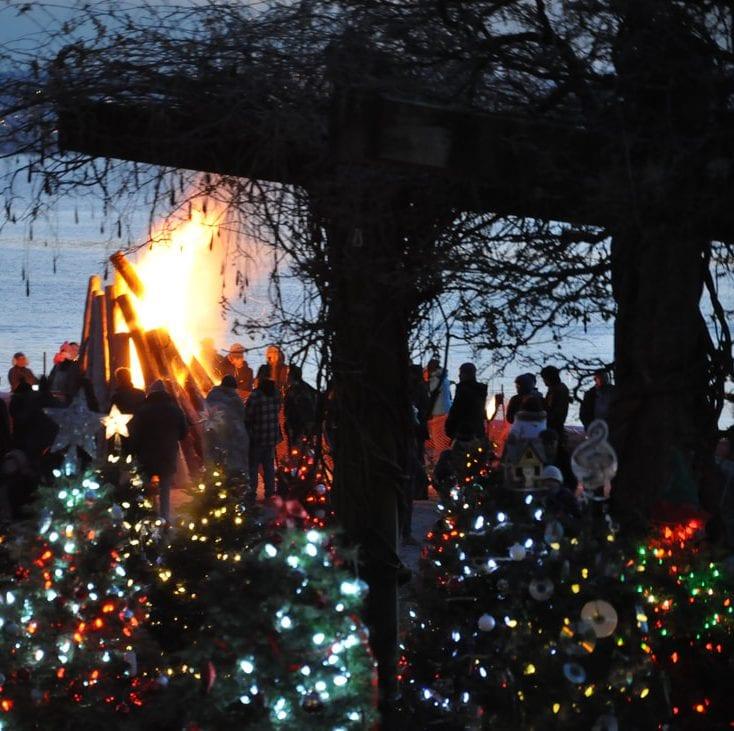 Dundarave Festival Of Lights 2017 At Dundarave Park West